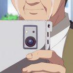 彼方のアストラ 第12話・最終話での記念写真はカメラではなくタブレットPC!