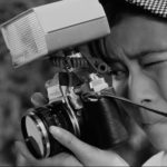 特撮『ウルトラQ』リマスター版第1話で江戸川由利子が使っていたカメラはミノルタ(Minolta)SR-1!!